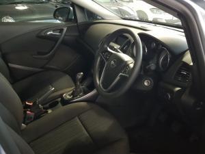 Opel Astra 1.6 Essentia - Image 12