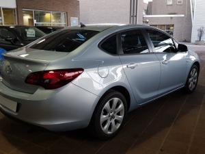 Opel Astra 1.6 Essentia - Image 7