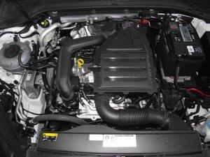 Volkswagen Golf VII 1.0 TSI Trendline - Image 12