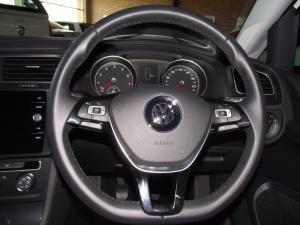 Volkswagen Golf VII 1.0 TSI Trendline - Image 9