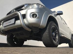 Toyota Hilux 3.0D-4D Raider Raised Body automaticD/C - Image 2