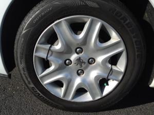 Peugeot 207 1.4 Popart 5-Door - Image 5