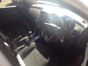 Chevrolet Cruze 1.6 LS 5-Door - Image 3