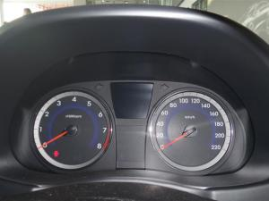 Hyundai Accent 1.6 GL/MOTION - Image 12