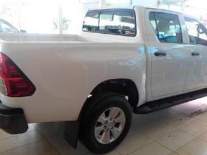 Toyota Hilux 2.4 GD-6 SRXD/C 4X4 automatic - Image 7