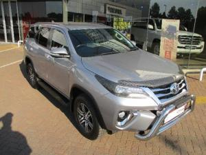 Toyota Fortuner 4.0 V6 4X4 automatic - Image 1