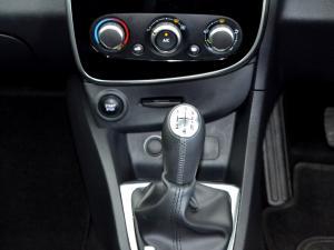 Renault Clio IV 900 T Dynamique 5-Door - Image 12