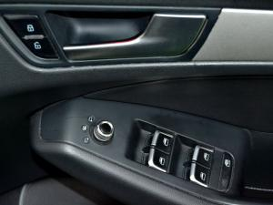 Audi Q5 2.0 TDI S Quattro - Image 29