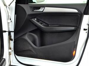 Audi Q5 2.0 TDI S Quattro - Image 30