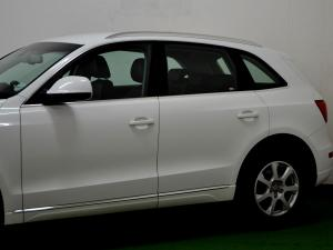 Audi Q5 2.0 TDI S Quattro - Image 34