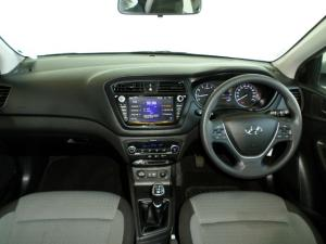 Hyundai i20 1.4 Fluid - Image 12