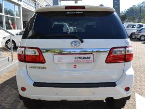 Toyota Fortuner 3.0D-4D automatic - Image 3