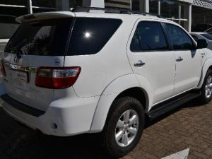 Toyota Fortuner 3.0D-4D automatic - Image 4