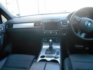 Volkswagen Touareg GP 3.0 V6 TDI Luxury TIP - Image 10