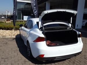Lexus IS 350 F Sport - Image 13