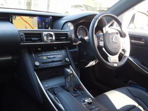 Lexus IS 350 F Sport - Image 4