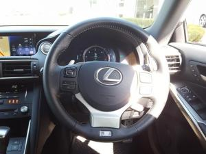 Lexus IS 350 F Sport - Image 9