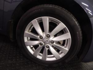 Kia Cerato sedan 2.0 EX - Image 9