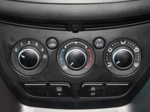Ford Kuga 1.5 Ecoboost Ambiente - Image 18