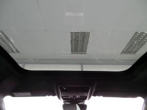 Land Rover Range Rover Velar P300 SE - Image 5