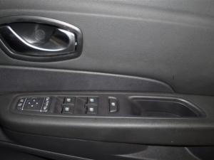 Renault Captur 1.5 dCI Dynamique 5-Door - Image 18