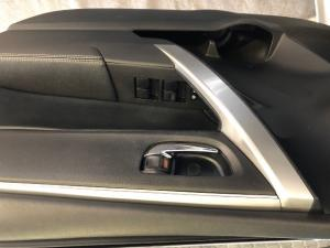 Toyota Corolla 1.8 Exclusive auto - Image 18
