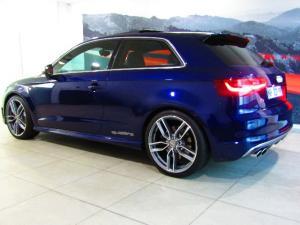 Audi S3 Stronic 3-Door - Image 3