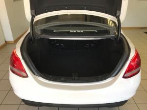 Mercedes-Benz C180 Exclusive automatic - Image 10