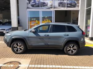 Jeep Cherokee 3.2 Trailhawk automatic - Image 2