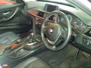 BMW 320i Modern Line automatic - Image 3