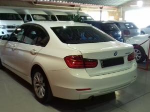 BMW 320i Modern Line automatic - Image 4