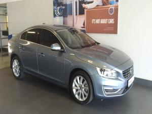 Volvo S60 T3 Momentum Geartronic - Image 1
