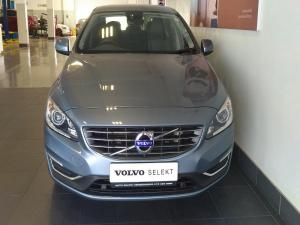 Volvo S60 T3 Momentum Geartronic - Image 3