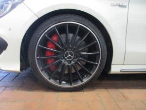 Mercedes-Benz CLA CLA45 AMG 4Matic - Image 9