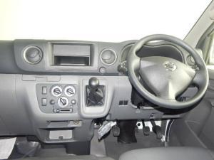 Nissan NV350 Impendulo 2.5i - Image 10