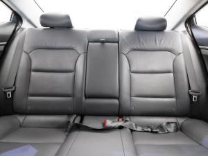 Hyundai Elantra 1.6 Executive automatic - Image 10
