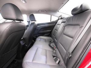 Hyundai Elantra 1.6 Executive automatic - Image 11