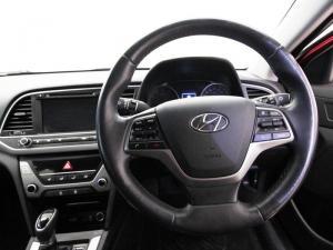 Hyundai Elantra 1.6 Executive automatic - Image 13