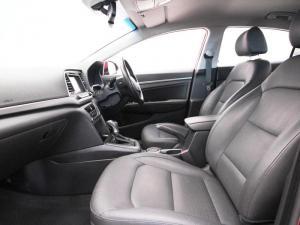 Hyundai Elantra 1.6 Executive automatic - Image 8