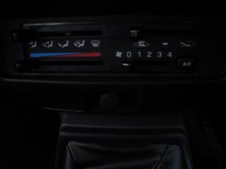 Nissan Hardbody NP300 2.4i HI-RIDERD/C