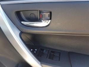 Toyota Corolla 1.8 Prestige - Image 8