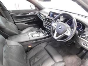 BMW 7 Series 730d M Sport - Image 8