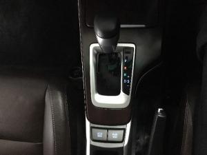 Toyota Fortuner 4.0 V6 4x4 - Image 13
