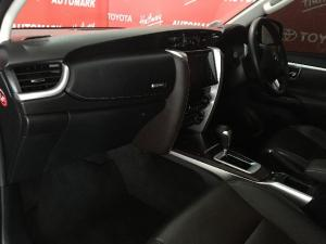Toyota Fortuner 4.0 V6 4x4 - Image 7