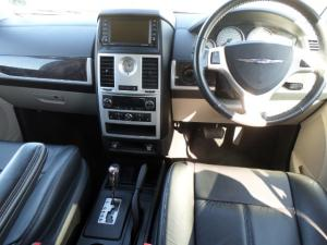 Chrysler Grand Voyager 2.8 Limited automatic - Image 2