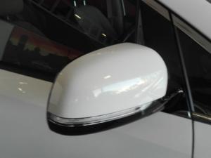 Kia Sedona 2.2D SX automatic - Image 9