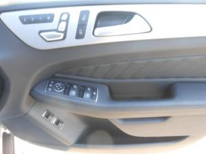 Mercedes-Benz GLE 400 4MATIC - Image 13