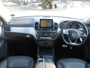 Mercedes-Benz GLE 400 4MATIC - Image 8