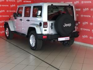 Jeep Wrangler Unlimited 3.6L Sahara - Image 4