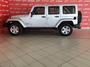 Jeep Wrangler Unlimited 3.6L Sahara - Image 6